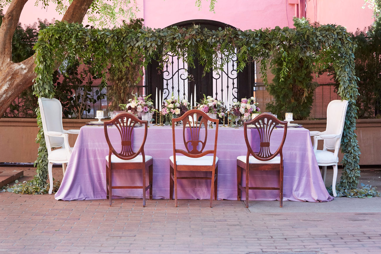 King S Table Wedding Decor At Courtyard D Oro