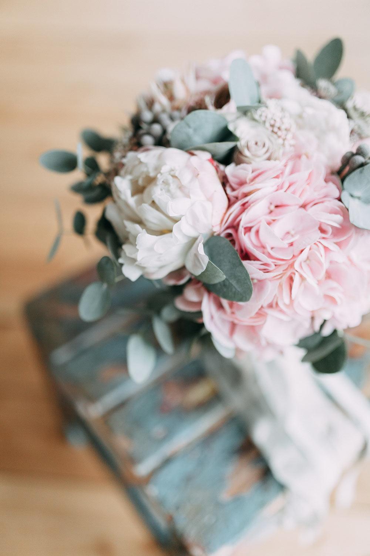 Fresh Fragrant Choosing Wedding Flowers